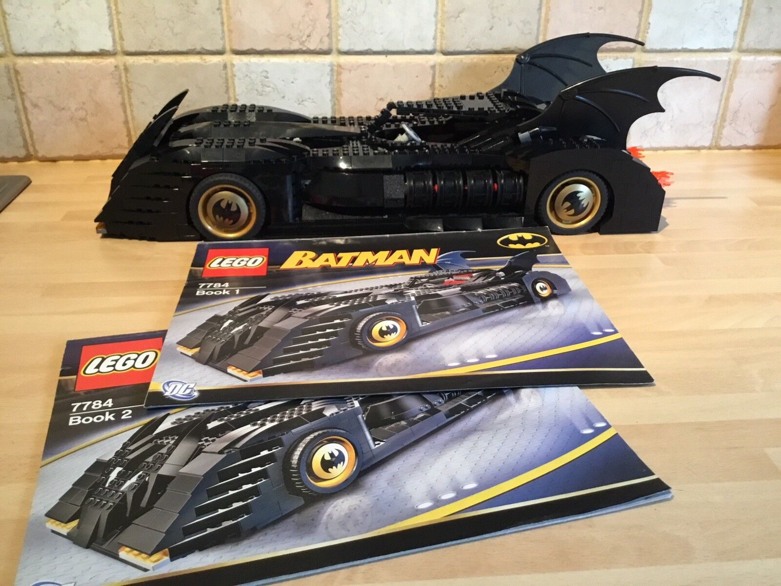 LEGO Batman Set 7784 - The Batmobile Ultimate Collectors' Edition