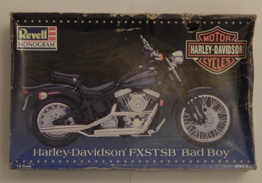 Harley Davidson FXSTSB Bad Boy 1/8 Scale Model Kit NIOB R14969