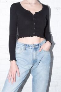 brandy-melville-black-crop-ribbed-long-sleeve-button-up-Zelly-ruffle-top-NWT