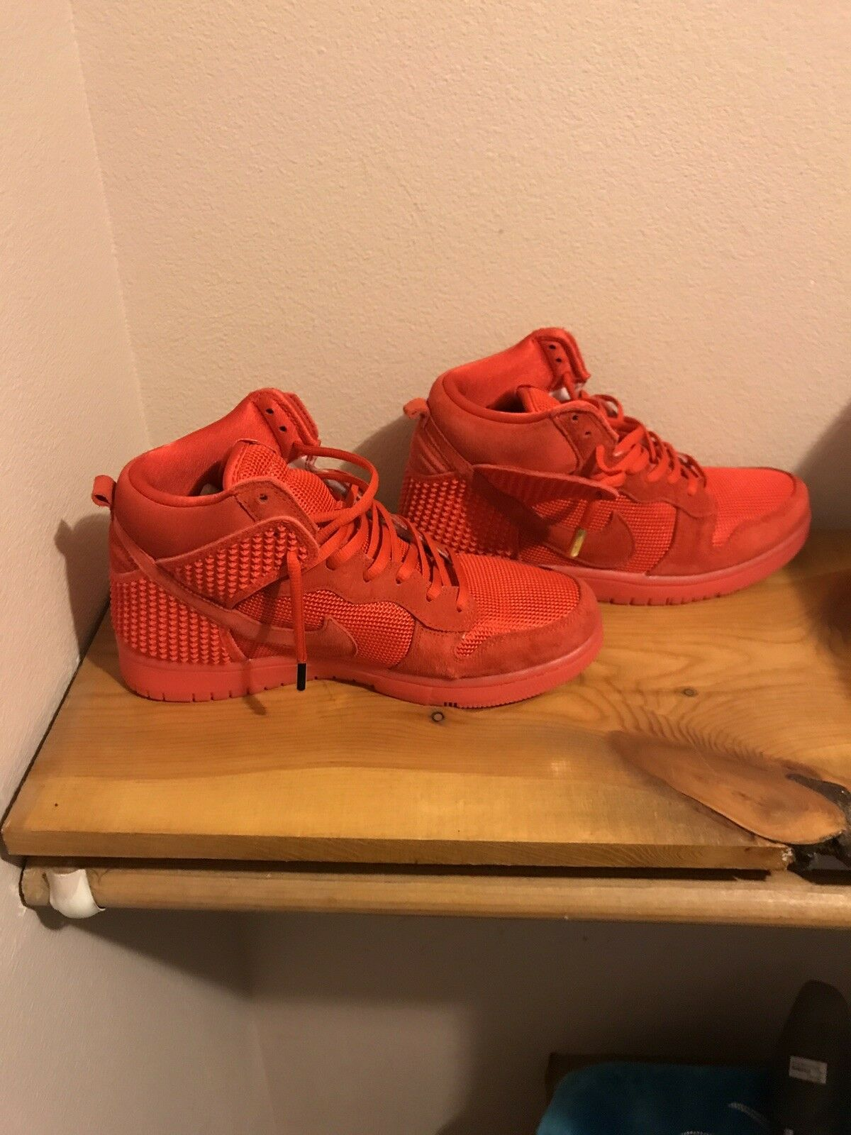 Red October Dunk 8.5  Cheap and fashionable