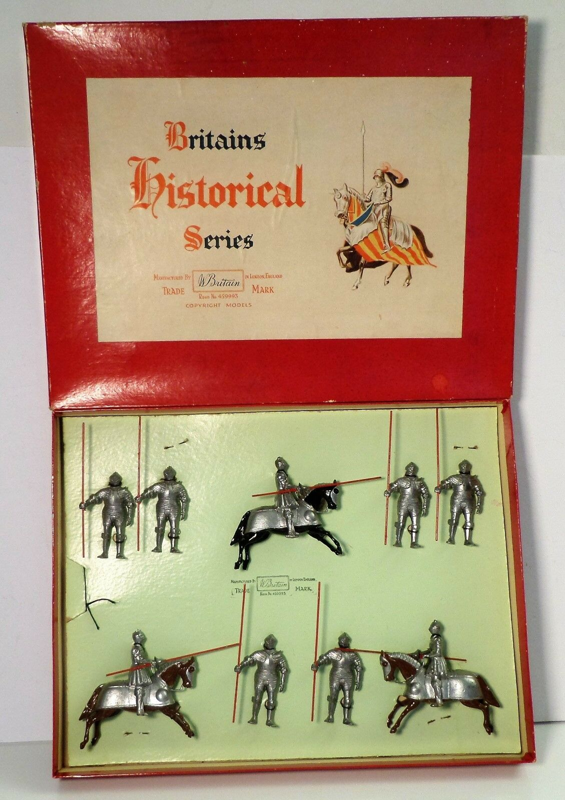 Britains th Century Knights Lead Toy Soldiers 3-Mounted 6 Foot w  Box