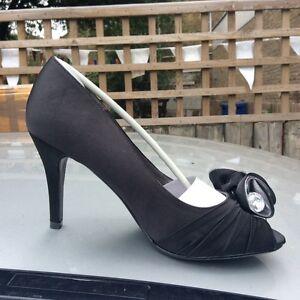 Taille 6, Ue 39, Noir Cour Chaussures, Avec Strass Fleur Fleur, Bnwt, En Boîte-afficher Le Titre D'origine