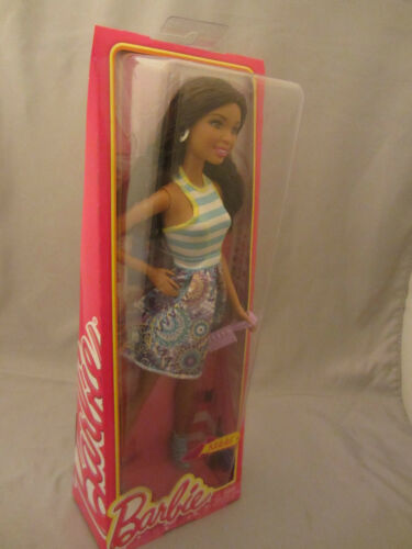 IN ORIGINAL PACKAGE BRAND NEW BARBIE DOLL SHOES /& ACCESSORY NIKKI DRESS