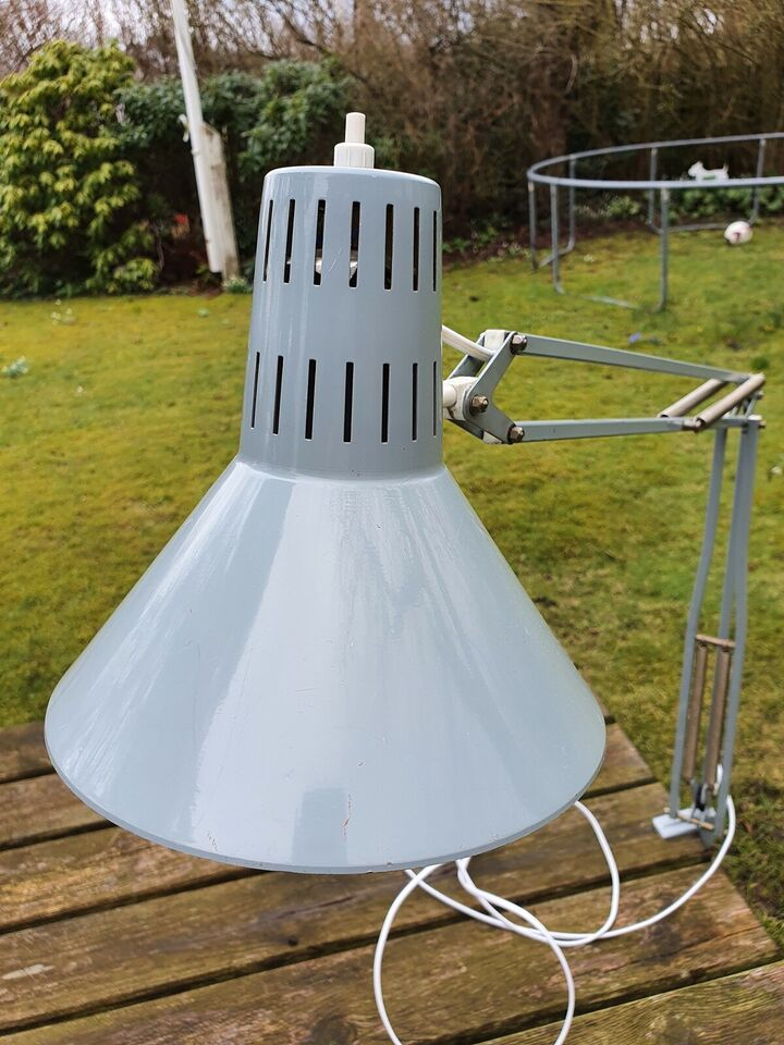 Arkitektlampe, HCF