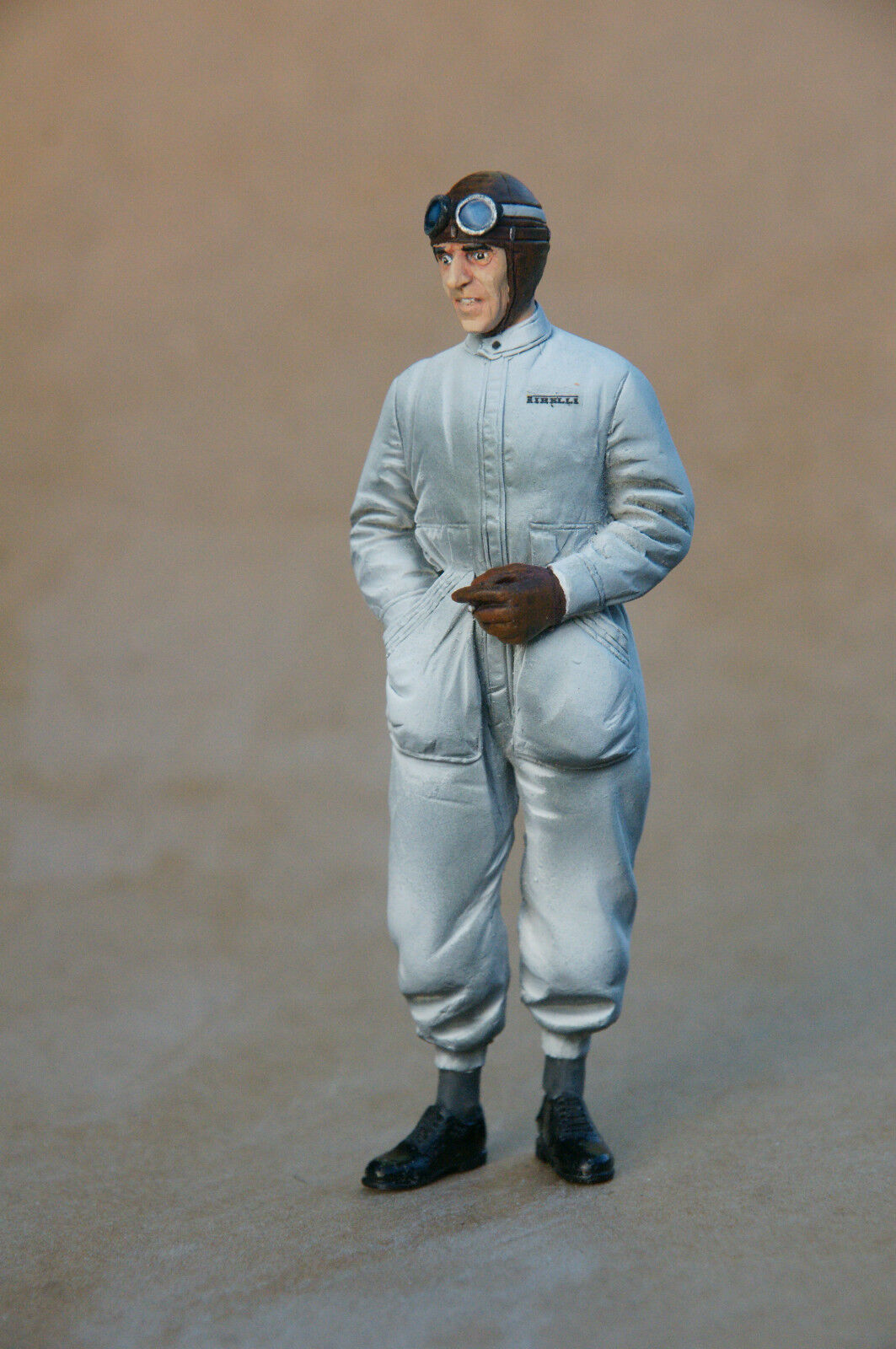 FIGURINE 1 18 18 18  PEINTE  TAZIO  NUVOLARI  CMC  AUTO UNION   VROOM  PAINTED  FIGURE 3f087e