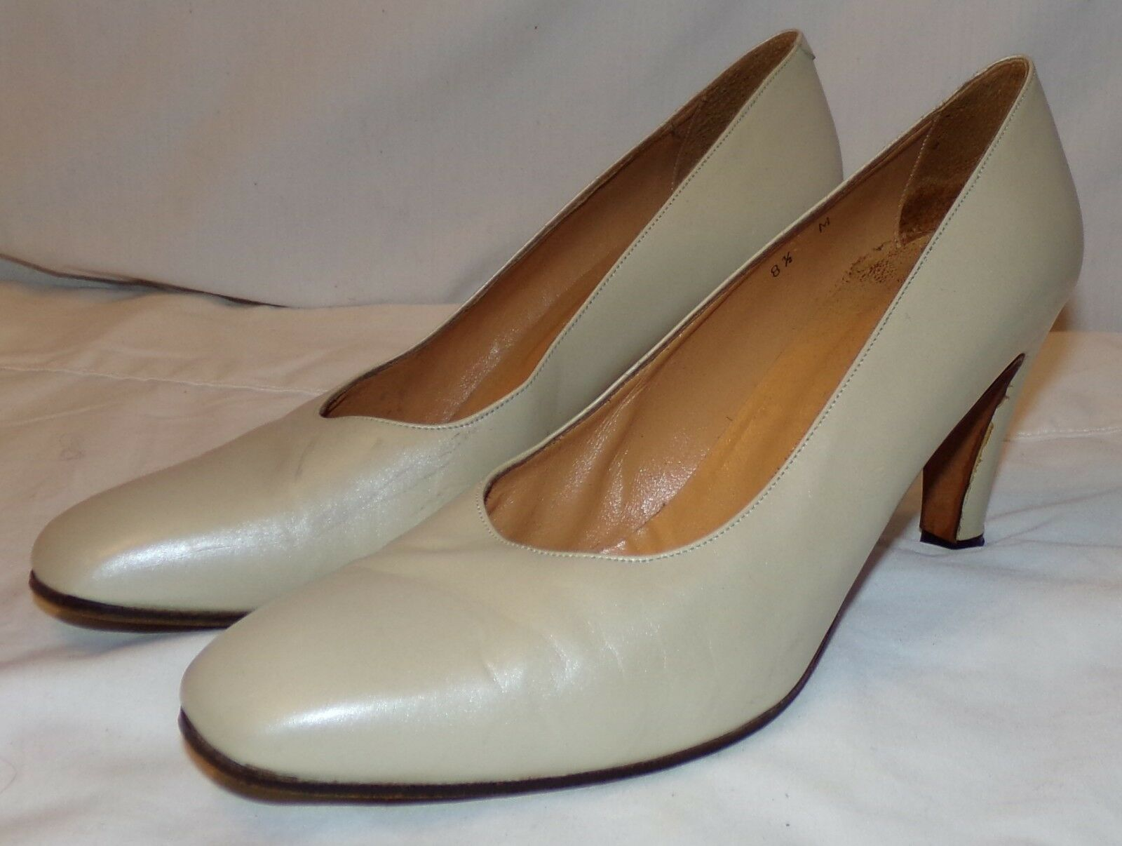 Andrew Geller Ivory Shoes Pearl Heels Pumps Womens Shoes Ivory 8.5 8 1/2 M b780c9