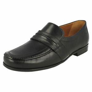 Clarks CLAUDE ASTON Negro Leather Zapatos Mocasín Hombre