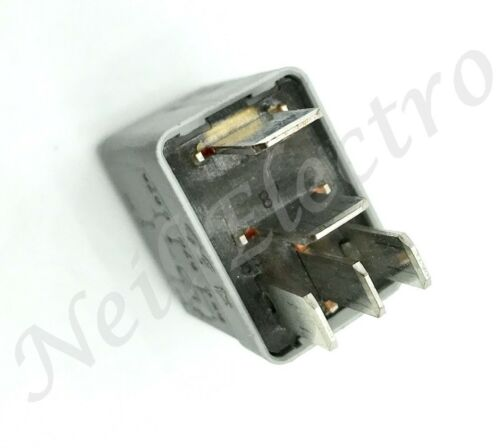 Vauxhall Opel 5 Pin Multi Use Silver-Grey Relay 13100504 12V 10// 20A 677.20