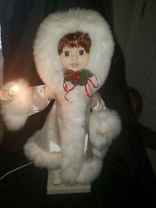 Vintage-Telco-Motion-ette-Christmas-Eskimo-Girl-Dolll-Animated-White-Fur