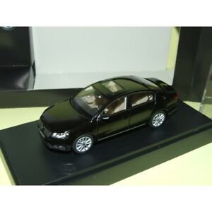 VW-PASSAT-B7-Noir-SCHUCO-1-43