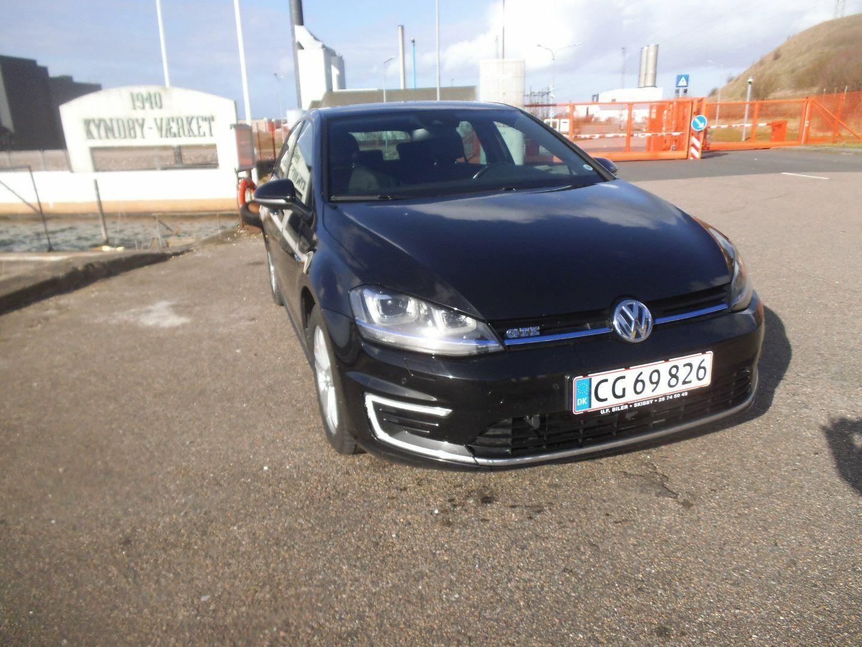 VW Golf VII 1,4 GTE DSG 5d - 269.900 kr.