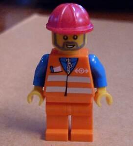 Train Lego Figur für Zug Gleisarbeiter orange blau mit Helm und Bart Neu