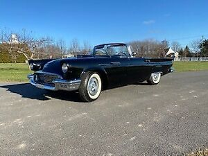 1957 Ford Thunderbird CABRIOLET CUIR ROUGE MAGS RADIO