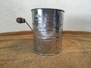Bromwell-Tin-Flour-Sifter-Hand-Crank-3-Cup-Measure-Vintage-Metal-Made-in-USA