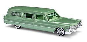 Busch-42921-HO-1-87-Cadillac-Station-Wagon-034-Begrafeniswagen-034-groen