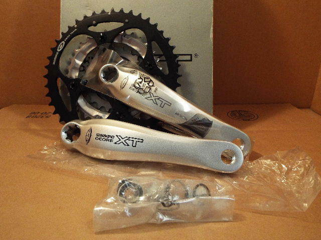 NOS Shimano Deore XT Triple Crankset w 175mm Crankarms and 44x32x22 Chainrings