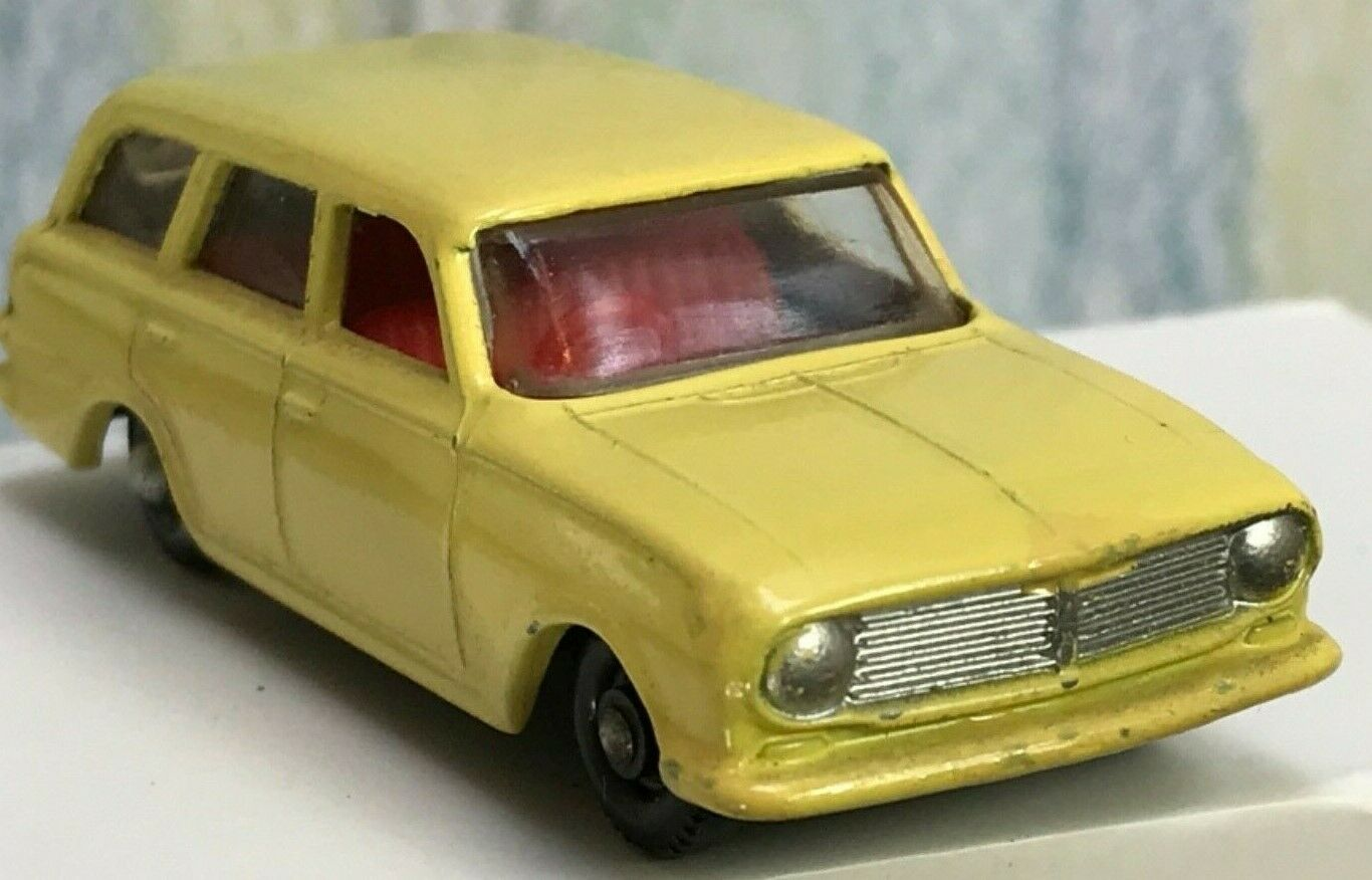 Matchbox Lesney   38b pale yellow immaculate Vauxhall Victor Estate VNMint