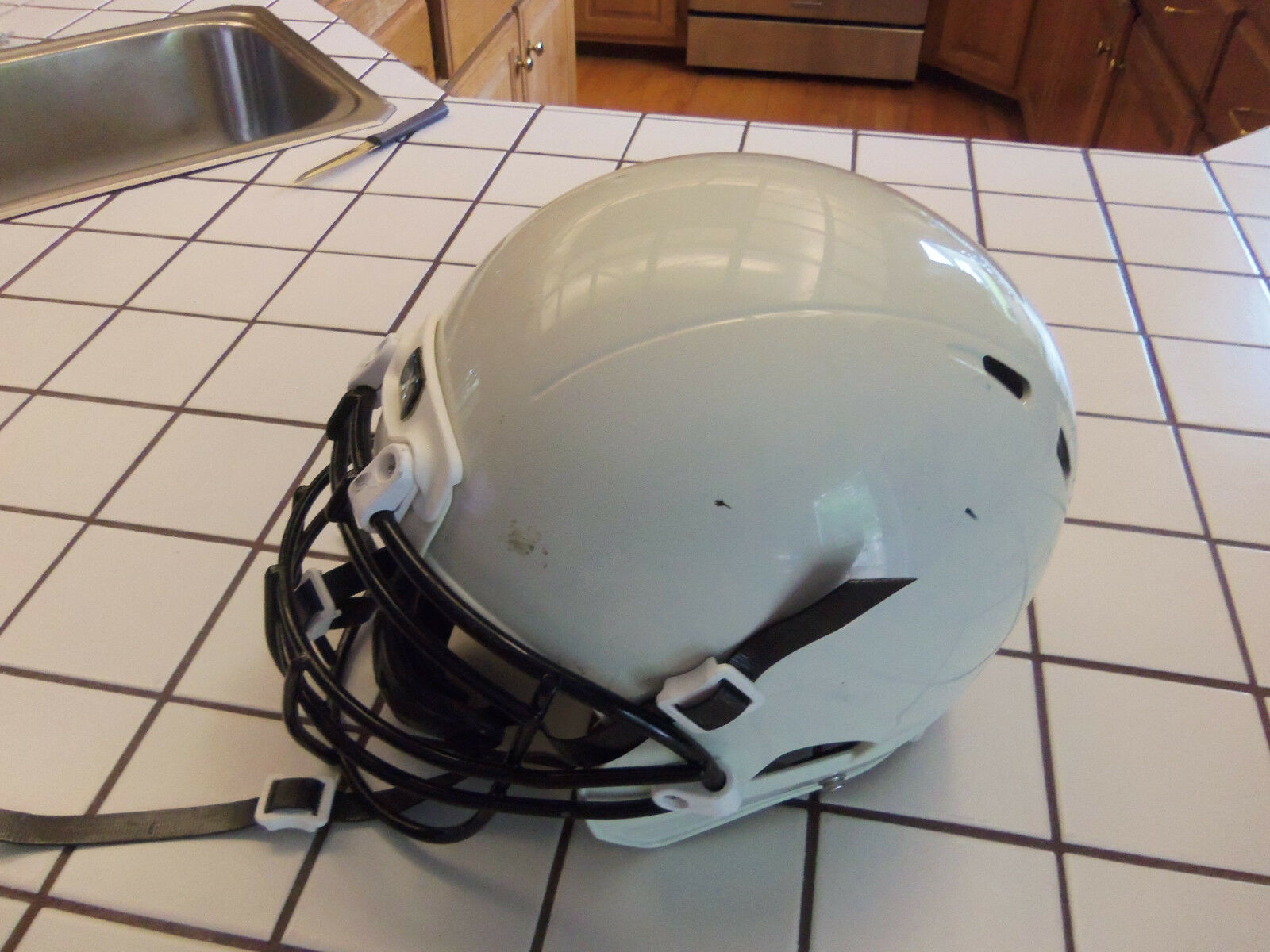 XENITH X2 YOUTH bianca  MEDIUM FOOTBALL HELMET WITH WITH HELMET CHIN GAURD INITIAL SEASON 2013 1182f6