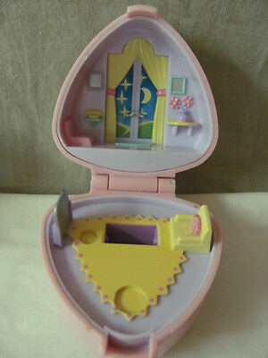 """Aggressive Vintage Polly Pocket Pink Heart """"polly's Big Night Out"""" Compact Bluebird 1991"""