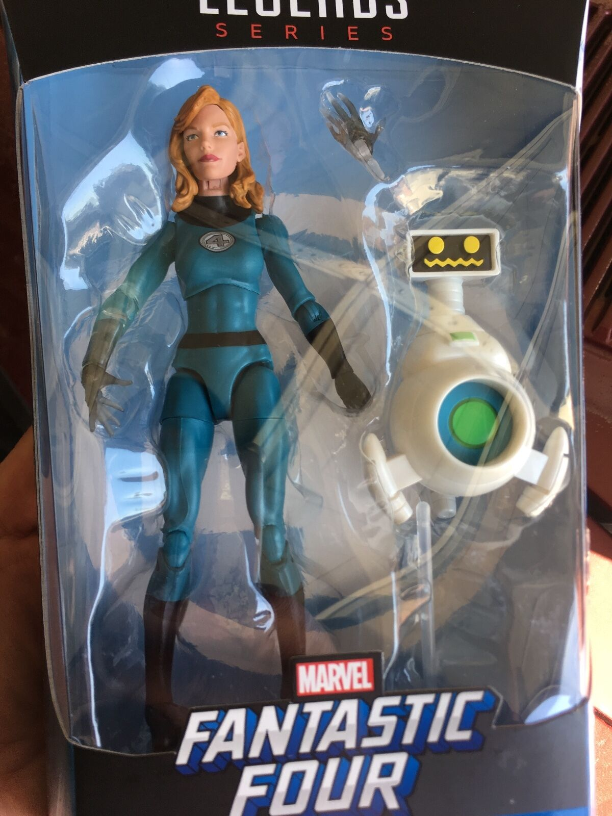 Marvel Legends INVISIBLE WOMAN Exclusive In Hand  Fantastic Four 4 2017