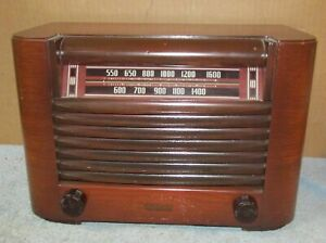 Vintage-PHILCO-Model-PT-12-Transitone-Tube-Radio-Wood-Case-J373