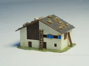 Built-Z-scale-Swiss-Alp-Barn-with-living-quarters-27