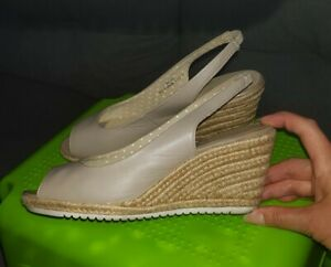 sale retailer bf96e be8e5 Details zu Schicke Damen Keilabsatz Sandaletten / Espadrille Sandalen Gr.38  Beige