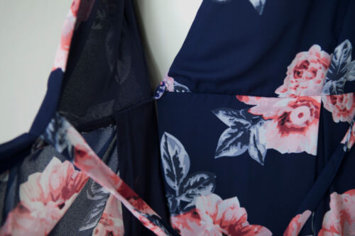 Navy Floral Print Sleeveless Wrap Dress// Large