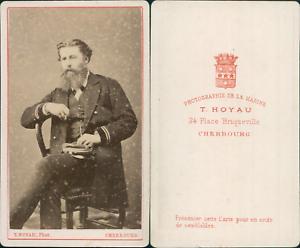 Hoyau-Cherbourg-Homme-en-uniforme-de-la-Marine-circa-1865-CDV-vintage-albumen