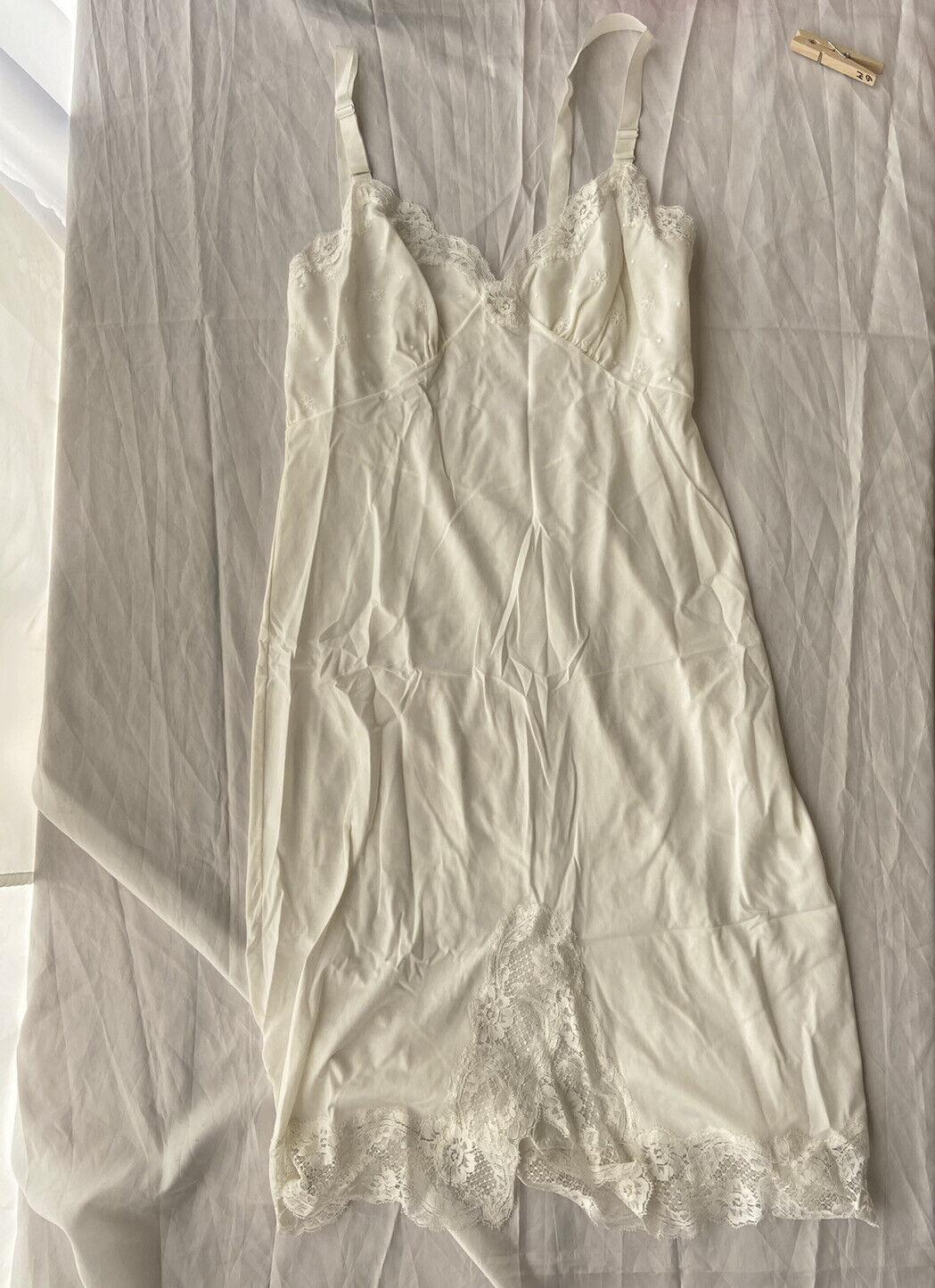 Vintage Kickernick Crystal Pleat Nylon Full Slip 36 White Accordian Accordion