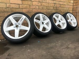 Genuine-20-Inch-White-Simmons-FRC-Wheels-And-Tyres-TO-SUIT-HOLDEN-COMMODORE