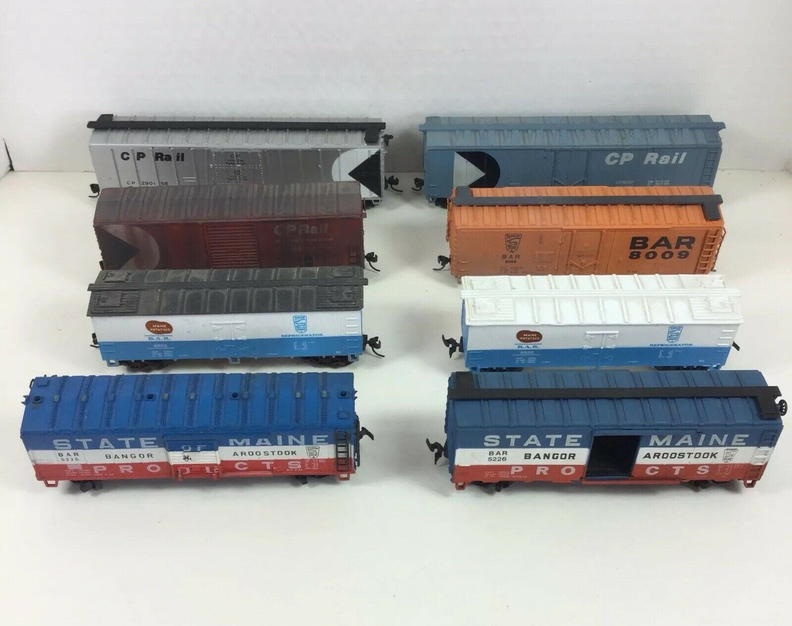HO Scale Maine BAR CP Rail Freight Boxcar Train Cars Weatherot Lot of 8