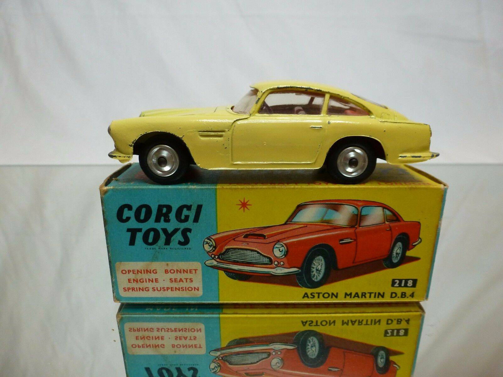 CORGI TOYS 218 ASTON MARTIN DB4 - YELLOW 1 43 - GOOD CONDITION IN BOX