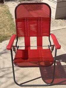 Folding-Lawn-Arm-Chair-Red-Vinyl-Plastic-Tube-Webbing-Metal-Frame-Retro-Style