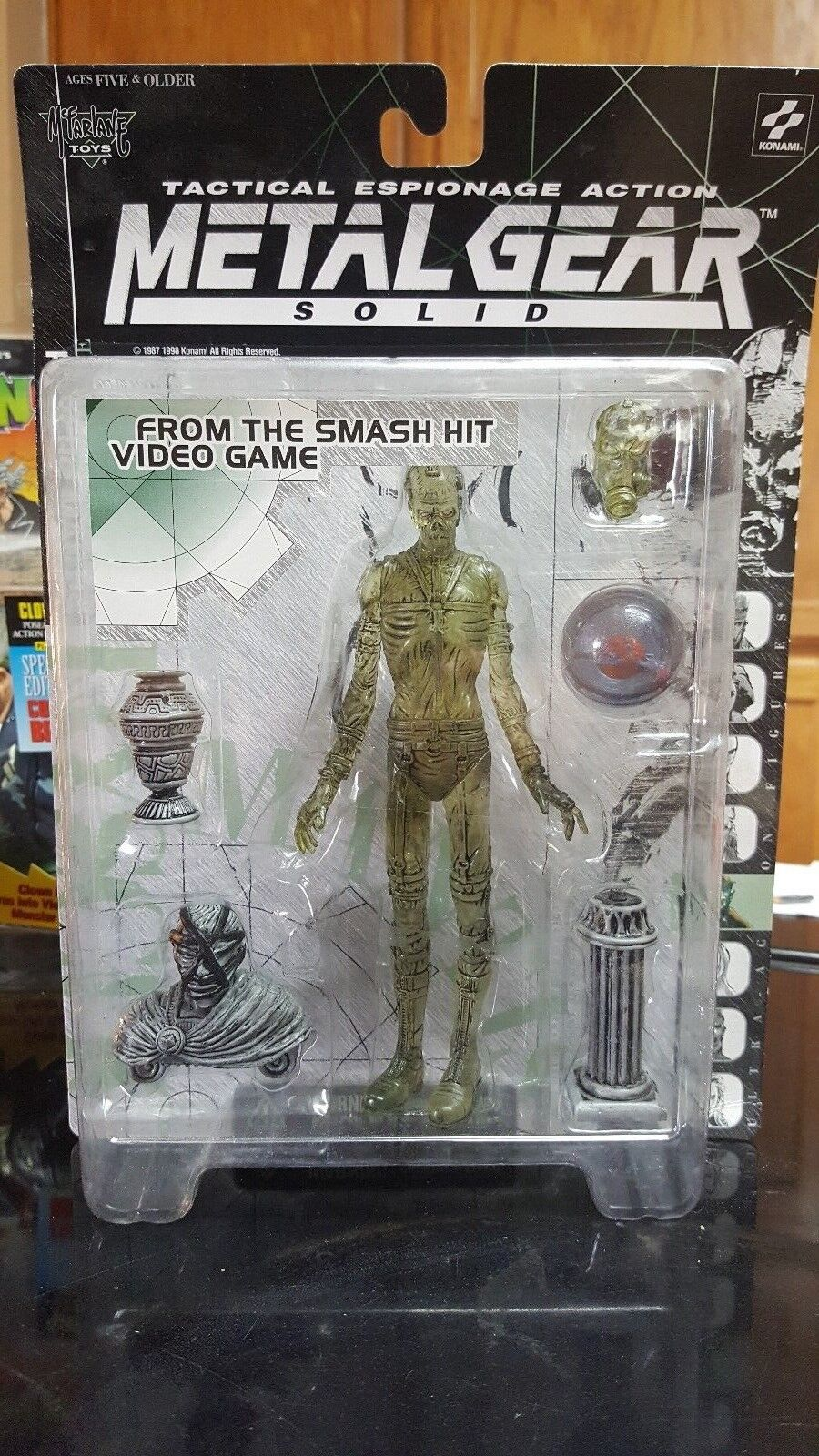 Metal Gear Solid Psycho Mantis Clear Konami McFarlane Toys Action Figure NEW