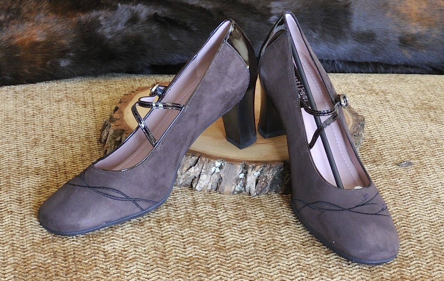 RARE  BEAUTIFEEL Hepburn 4204 Womens Brown Suede and Patent Leather Pumps NEW