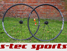 DT Swiss r22 DICUT Disc, set di pedali, wheelset