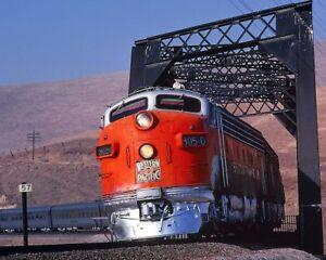 805-D-CALIFORNIA-ZEPHYR-WESTERN-PACIFIC-RAILROAD-8x10-SILVER-HALIDE-PHOTO-PRINT