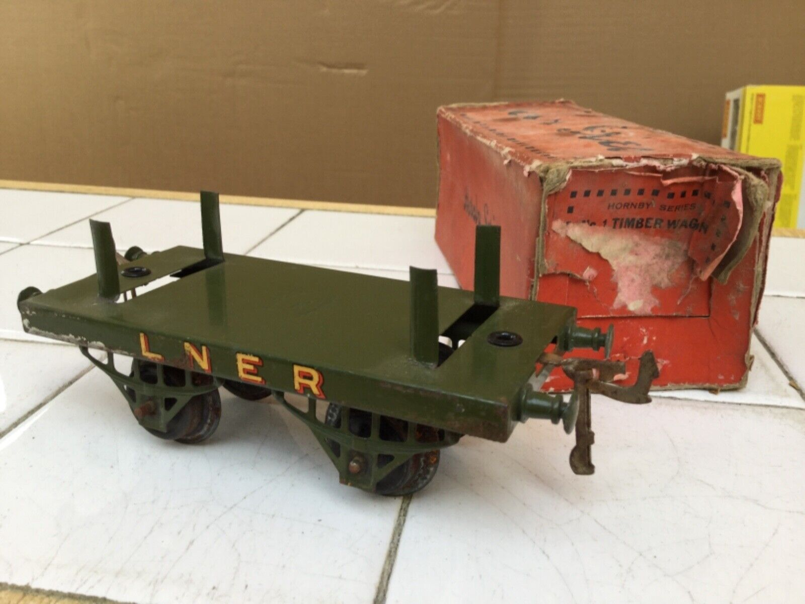 Hornby O Gauge early No.1 LNER Timber Wagon on type 2 chassis boxed