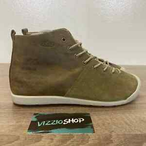 Keen - Mid Top Suede Pale Olive Gargoyle Hiking Shoes - Women's 7.5 - 1015068