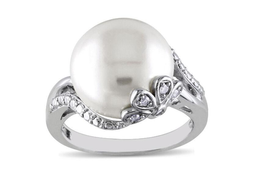 3.67 Carat 14KT White gold Natural Freshwater Pearl EGL Certified Diamond Ring