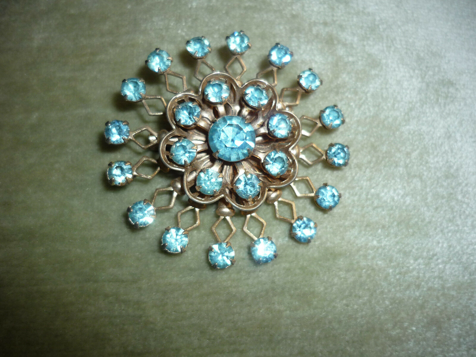 VINTAGE BRASS PIN WITH AQUAMARINE colorD STONES  GREAT CLARITY