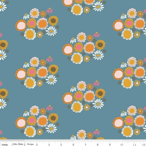Guinevere Blue Flowers Riley Blake Fabric FQ Metre 100/% Cotton Fabric Free Post