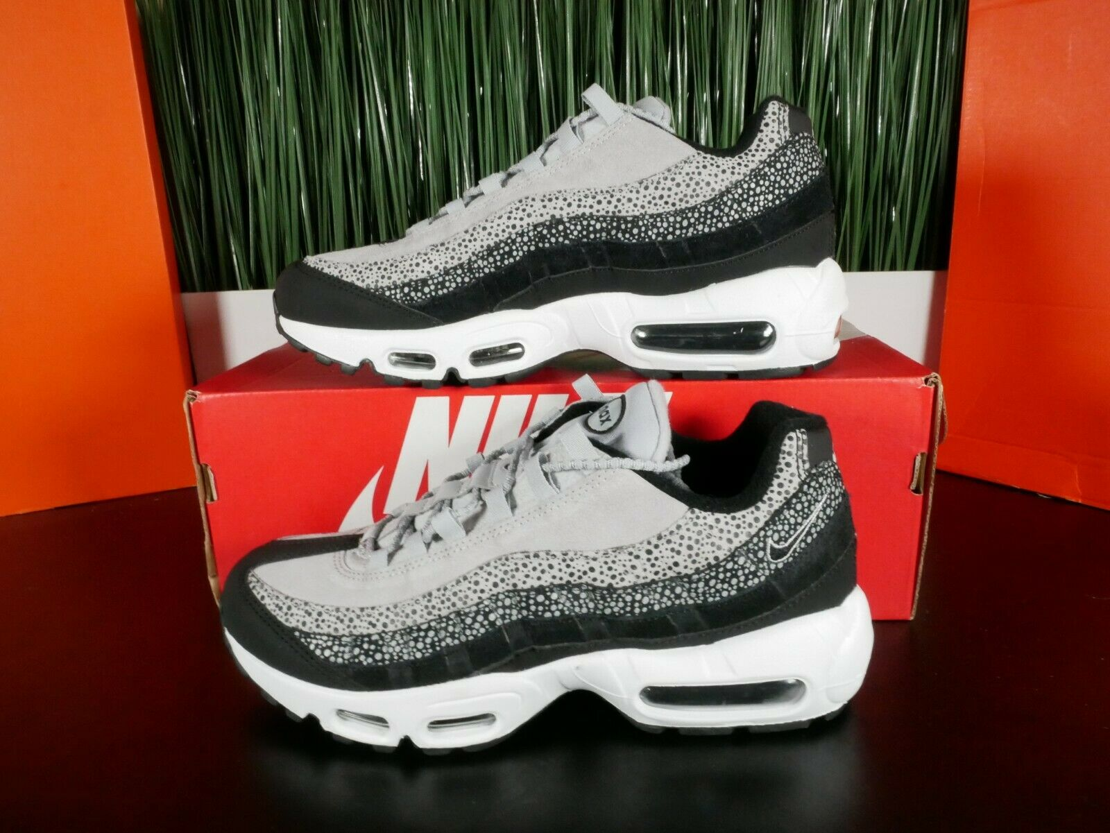 Womens Nike Air Max 95 PRM Black & Infrared Runnin n