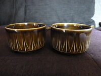 8939)  Soup bowls w handle 2 x green - Made in England - lovely