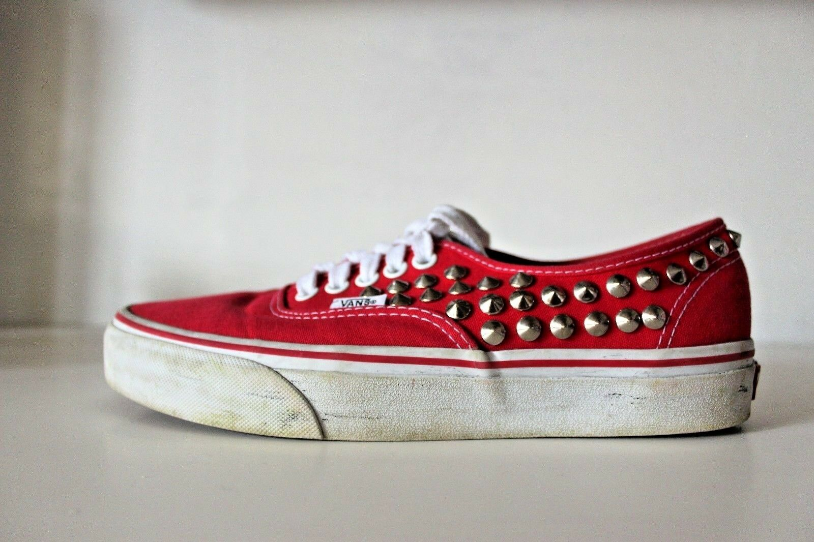 VANS AUTHENTIC sneakers  - ROT - silver studs dirty effect  6.5 Damens