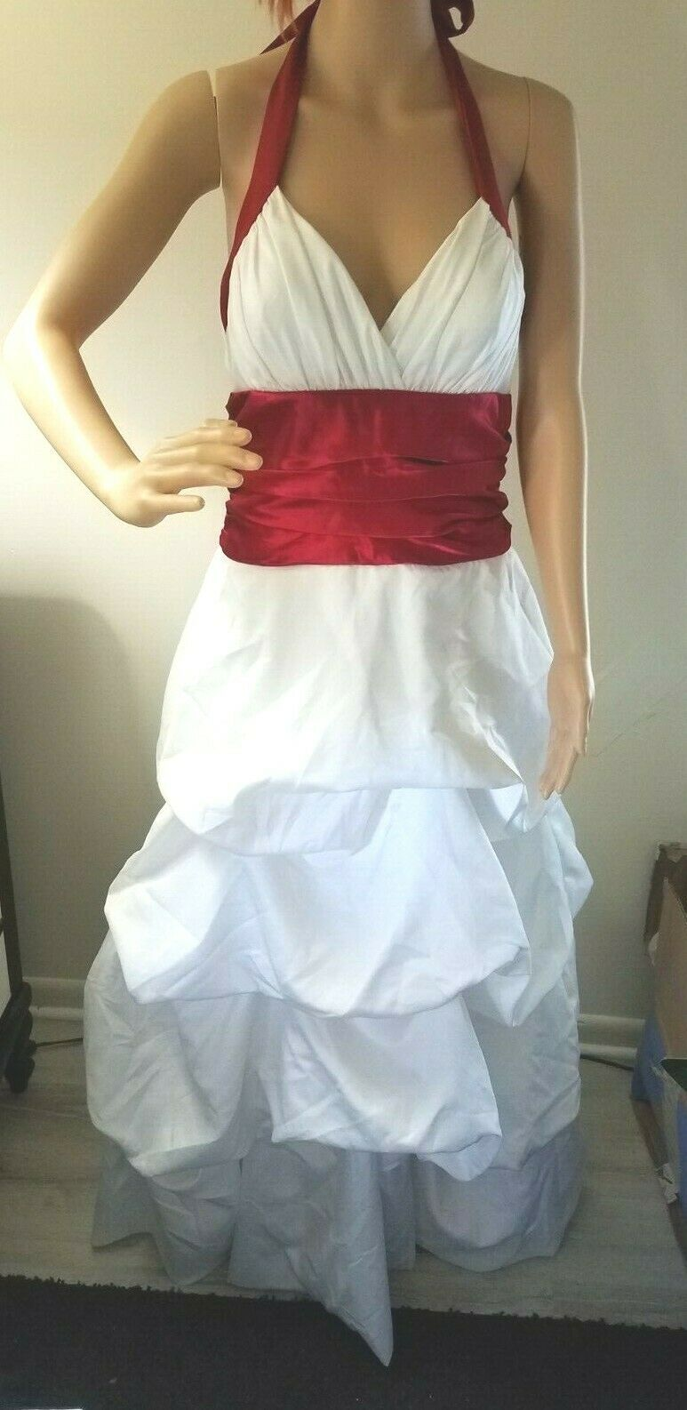 Masquerade Prom Wedding Dress Formal Juniors Size 13/14 White w/Red Trims