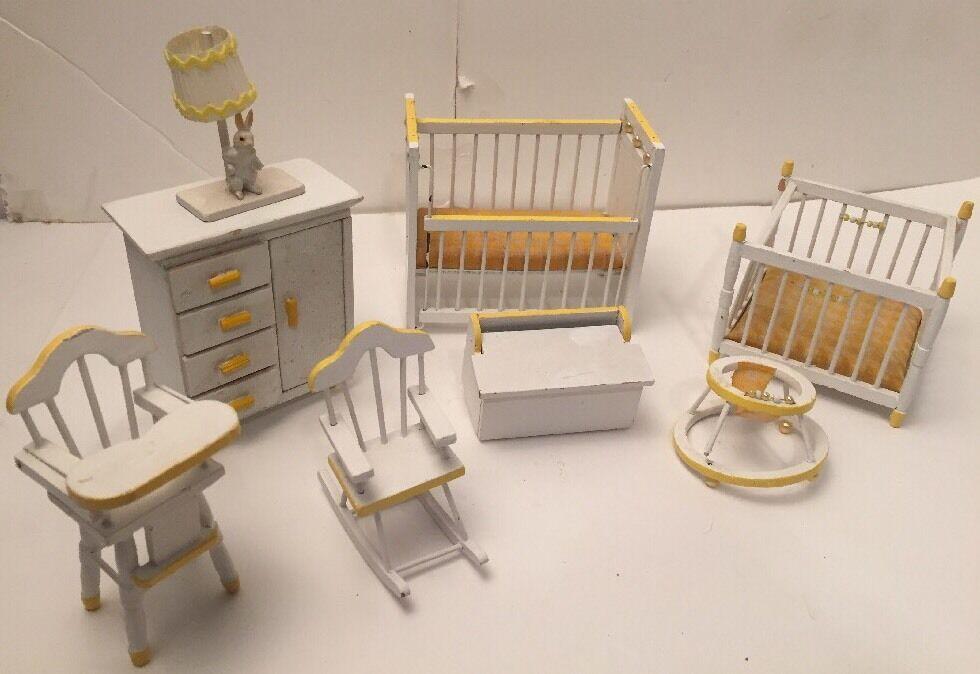 Vintage Nursery Doll House Wood Furniture - 8 Piece Weiß / Gelb Gingham