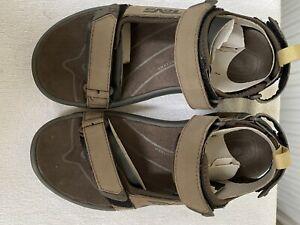 Teva Uomo Tanzania sandalo in pelle marrone taglia 6 (B24)
