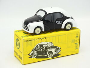 CIJ-By-Norev-1-43-Renault-4CV-Police-Pie